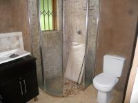 Main Bathroom - 6 square meters of property in Westridge