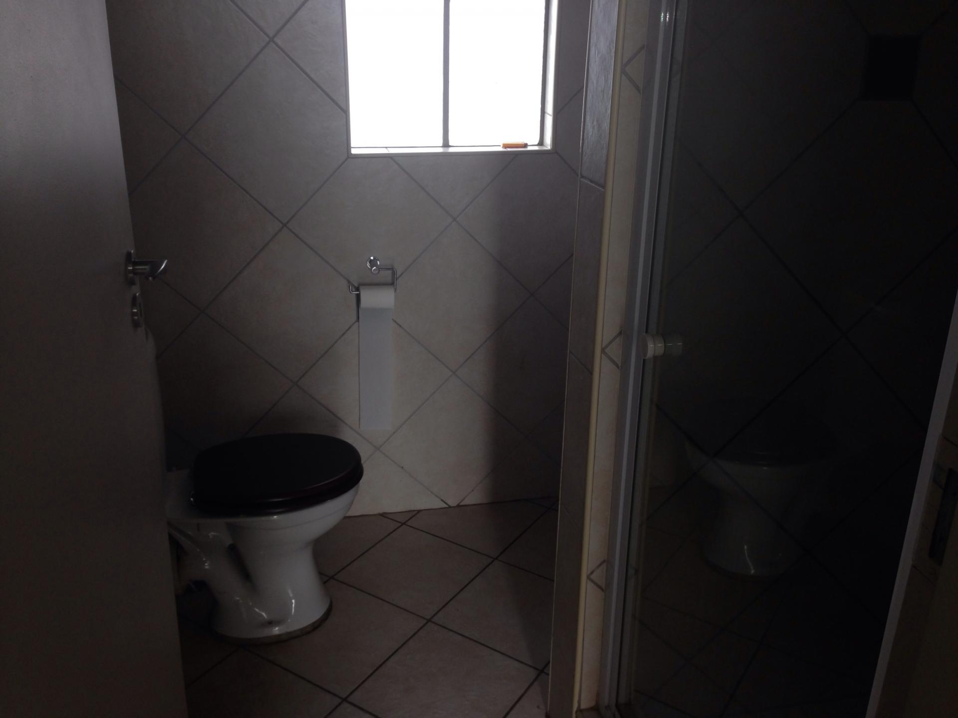 Bathroom 1 - 3 square meters of property in North Riding A.H.