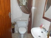Bathroom 1 - 2 square meters of property in Sinoville