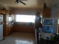 Kitchen - 21 square meters of property in Sinoville