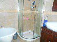 Main Bathroom - 6 square meters of property in Sinoville