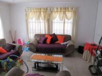Lounges - 20 square meters of property in Kibler Park