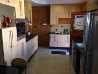 Kitchen - 17 square meters of property in Robertsham