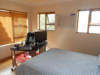 Bed Room 1 - 14 square meters of property in Raslouw