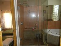 Bathroom 3+ - 16 square meters of property in Berea - DBN