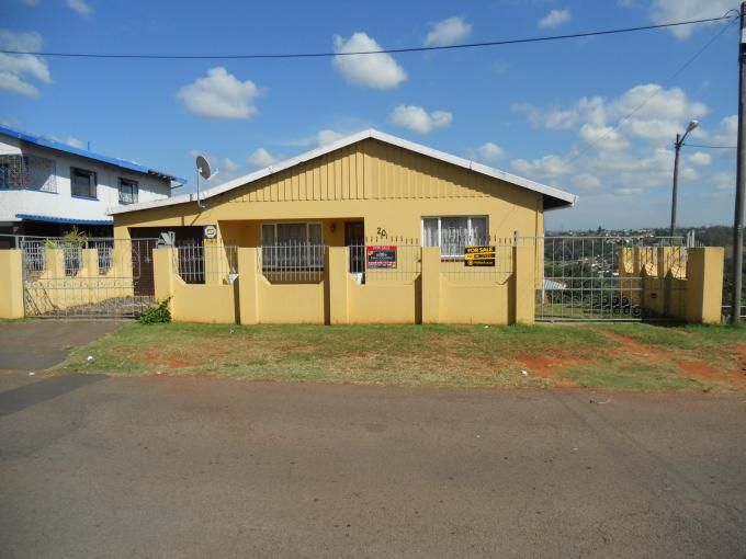Standard Bank EasySell 5 Bedroom House for Sale For Sale in Mobeni Heights - MR109000