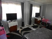 Main Bedroom - 17 square meters of property in Mobeni Heights