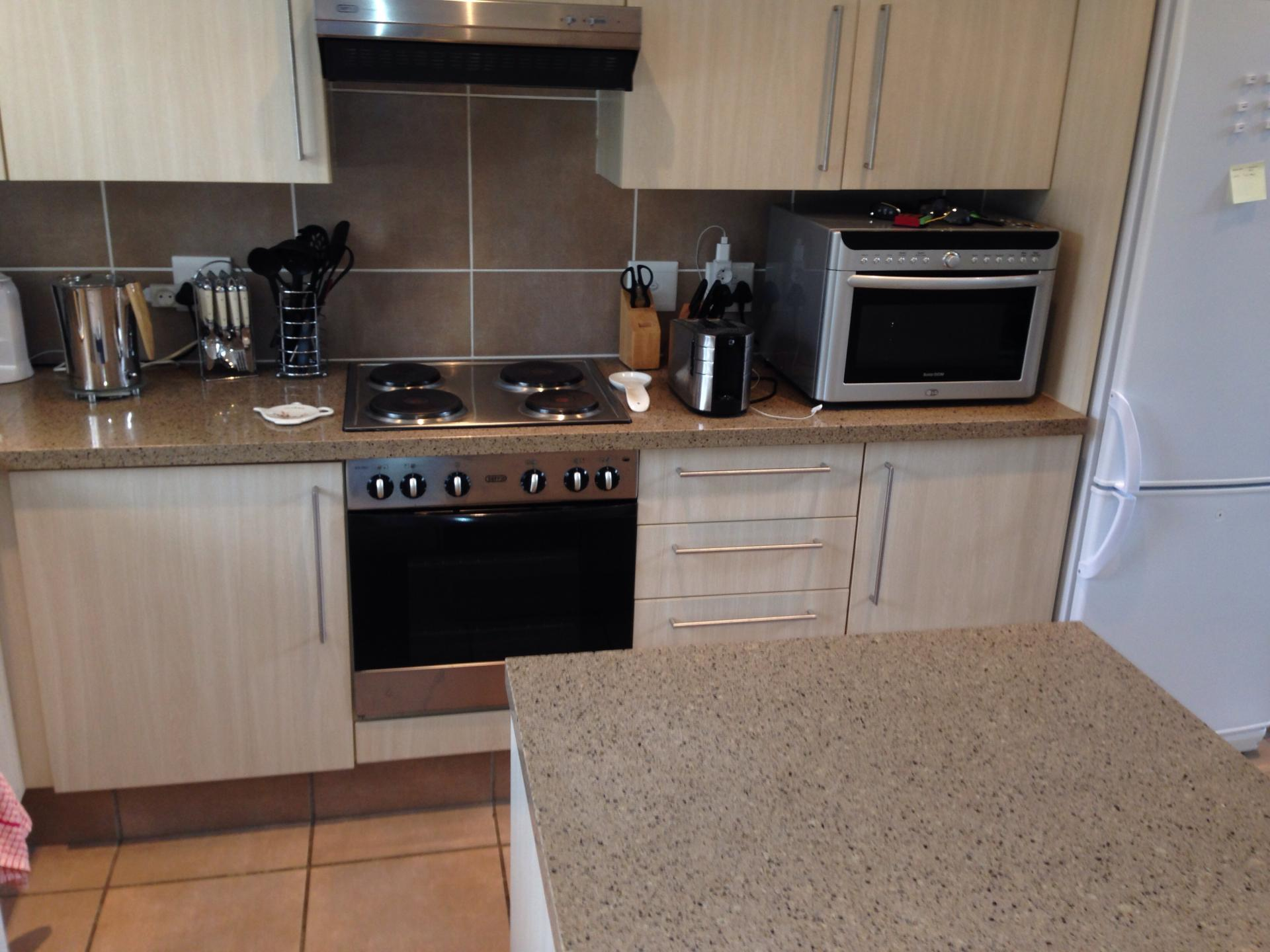 2 bedroom apartment for sale for sale in fourways for Kitchen cupboards fourways