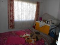 Bed Room 1 - 15 square meters of property in Germiston