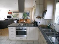 Kitchen - 15 square meters of property in Hartenbos