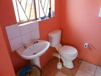 Main Bathroom - 5 square meters of property in Philip Nel Park