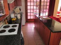 Kitchen - 42 square meters of property in Glenvista