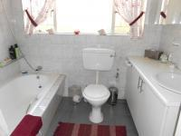 Bathroom 1 - 7 square meters of property in Henley-on-Klip