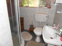 Main Bathroom - 8 square meters of property in Henley-on-Klip