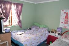 Bed Room 1 - 12 square meters of property in Belhar