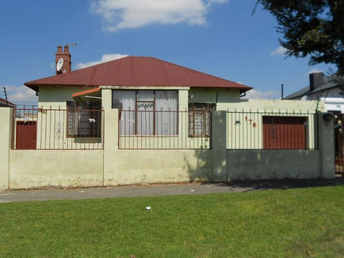 Standard Bank EasySell 3 Bedroom House for Sale For Sale in Kenilworth - JHB - MR109227