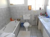 Main Bathroom - 9 square meters of property in Birchleigh North
