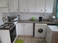 Kitchen - 14 square meters of property in Albertskroon