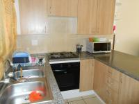 Kitchen - 10 square meters of property in Karenpark