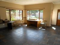 Lounges - 161 square meters of property in Brakpan