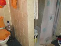 Main Bathroom - 4 square meters of property in Ennerdale