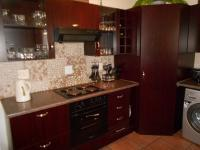 Kitchen - 31 square meters of property in Homestead