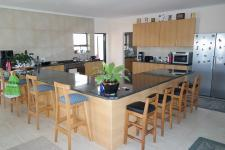 Kitchen - 32 square meters of property in Yzerfontein