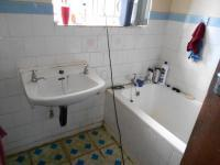 Main Bathroom - 3 square meters of property in Homestead