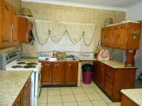Kitchen - 37 square meters of property in Wonderboom South