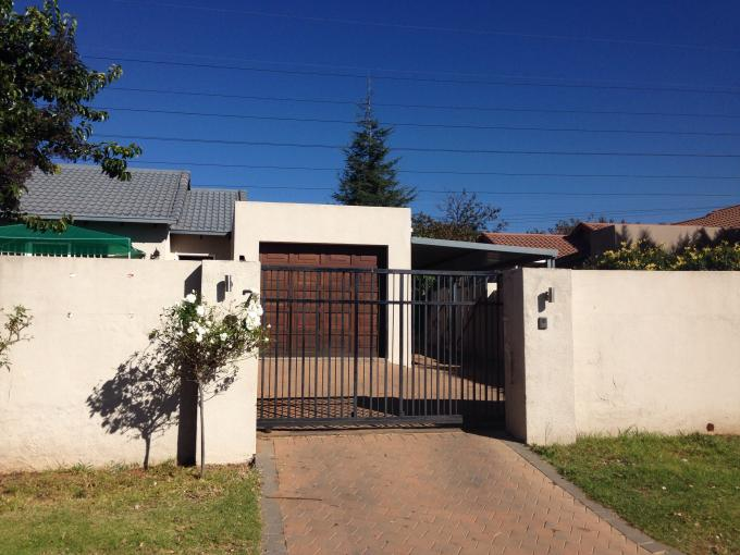 3 Bedroom House for Sale For Sale in Bromhof - Private Sale - MR109480