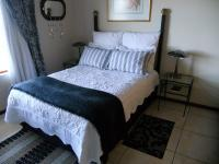 Bed Room 4 - 20 square meters of property in Mossel Bay