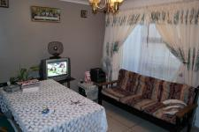 Lounges - 14 square meters of property in Mitchells Plain