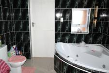 Main Bathroom - 12 square meters of property in Pelikan Park