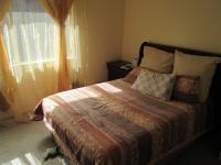 Main Bedroom - 13 square meters of property in Florida
