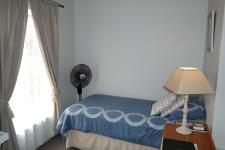 Bed Room 2 - 10 square meters of property in Piketberg