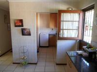 Kitchen - 15 square meters of property in George East