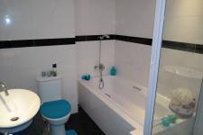 Bathroom 1 - 7 square meters of property in Wynberg - CPT