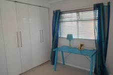 Bed Room 2 - 16 square meters of property in Wynberg - CPT