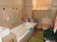 Main Bathroom - 6 square meters of property in Primrose