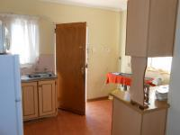 Kitchen - 8 square meters of property in Bloemfontein