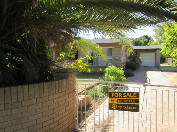 Standard Bank Repossessed 3 Bedroom House on online auction in Deneysville - MR109888