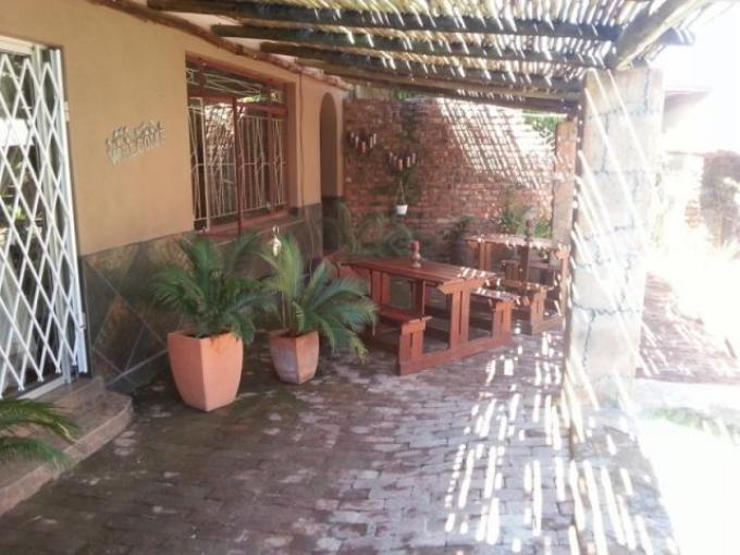 4 Bedroom House For Sale in Jan Kempdorp - Private Sale - MR109924