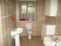 Bathroom 2 - 9 square meters of property in Stilbaai (Still Bay)