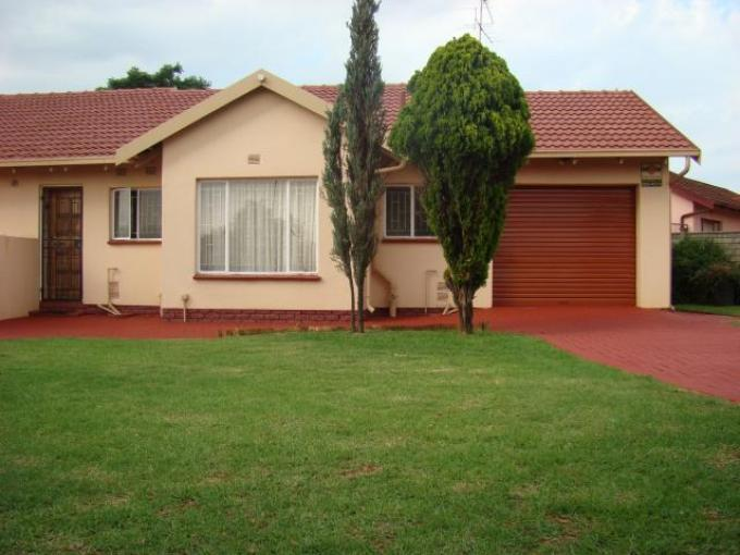 3 Bedroom House for Sale For Sale in Lenasia South - Home Sell - MR109958