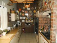 Kitchen - 17 square meters of property in Hayfields