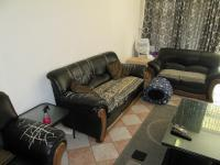 Lounges - 21 square meters of property in Southdale