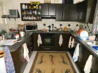 Kitchen - 22 square meters of property in Klein-Brakrivier