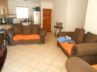 Lounges - 14 square meters of property in Theresapark