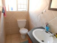 Main Bathroom - 3 square meters of property in Theresapark