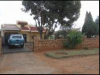 4 Bedroom 1 Bathroom House for Sale for sale in Lenasia